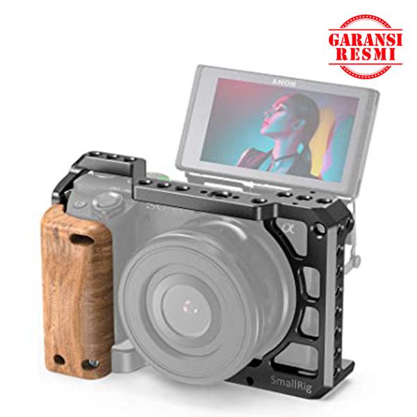 Jual SmallRig Wooden Handgrip Sony A6400 Cage – APS2318 Murah. Cek Harga SmallRig Wooden Handgrip Sony A6400 Cage – APS2318, Disini Sentra Digital Kamera Surabaya. - Sentradigital.com